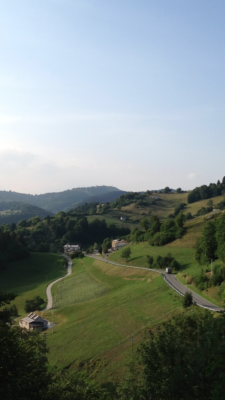 Un'altra vita. #lessinia #verona  In città 34 gradi, qui 23. È un paradiso.  #caldo #montagna #vacanza