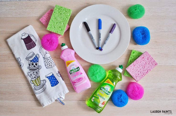 Make a creative and useful little housewarming gift for a new neighbor, all for just under $8! Thanks to #PalmoliveWM! #ad  We've also teamed up to provide you with a giveaway: FIVE readers will win a $50 Walmart Gift Card! Head on over to the blog to see my DIY gift idea and enter to win one of the five gift cards!