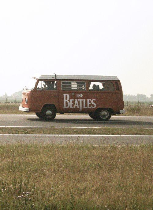 Hippie van & Beatles.