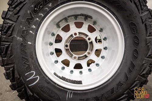 На одни диски пришлось повесить 150-180 грамм, на другие всего 40-50 грамм. Всё зависит от конкретной шины и данные необходимо будет проверить после небольшого пробега.