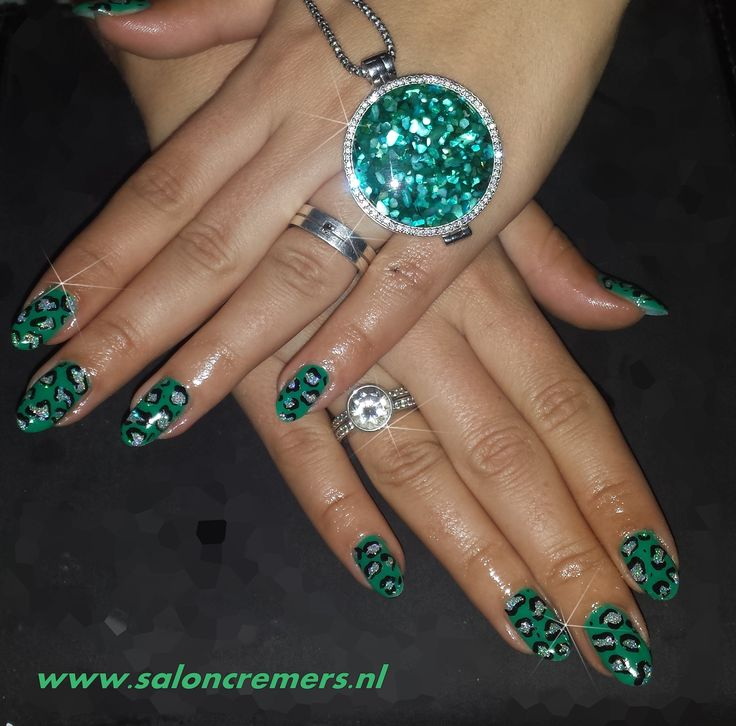 green leopard print nail art nails with glitter