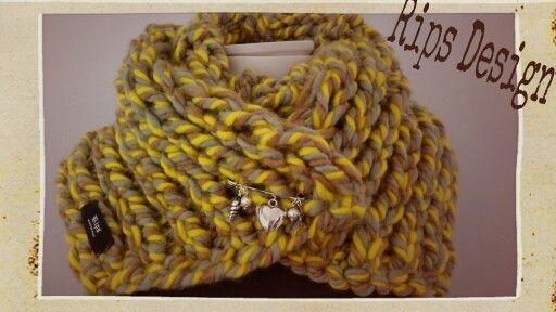 Rips Design : Sciarpa in lana lavorata a mano