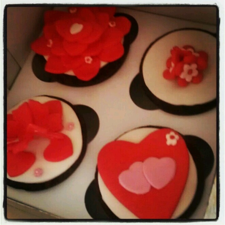 S.Valentine's cupcakes