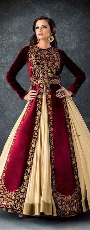 Vestido. Royal claret gown