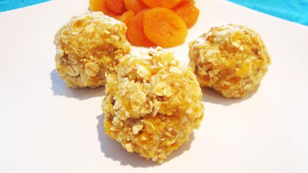 Almost Raw Coconut + Apricot Oat Balls | Vegangela
