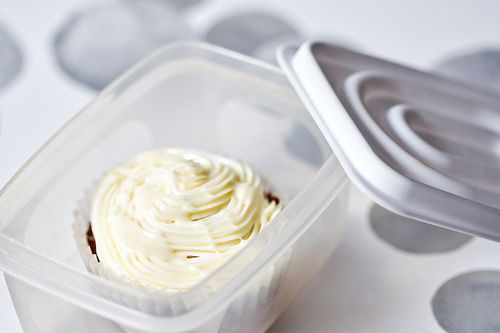 Publix Buttercream Frosting ---  When I lived in Atlanta, Publix was the go-to place for cakes because of this frosting. They actually started selling the frosting by itself!