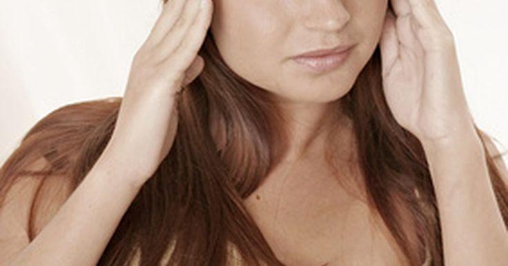 Como superar uma ressaca rapidamente. Uma noite de bebedeira pode ter um impacto significativo na sua manhã. Falta de sono, náusea e dor de cabeça são sintomas típicos da ressaca. As ressacas geralmente melhoram com o tempo. No entanto, deixar que ela siga o seu próprio caminho nem sempre é uma opção, você precisa de um alivio rápido. Felizmente, existem maneiras de reduzir ...
