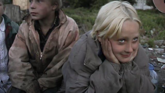 Dienstag, 10.01.2017, 20:00 Uhr, Caligari FilmBühne Wiesbaden Einführung: Gaby Babić: www.femmes-totales.de  Yula wünscht sich nichts mehr, als ein normales Leben zu leben. Ihre Realität ist allerdings sehr trostlos: Sie lebt mit ihrer Mutter in der eigentlich verbotenen Zone von Svalka, der größten Müllhalde Europas, nur 20 km vom Kreml entfernt. Dort versucht sie, inmitten von Dreck und Elend zu überleben  http://www.filmfestival-goeast.de/de/news/2017/170105_goEast_praesetiert.php