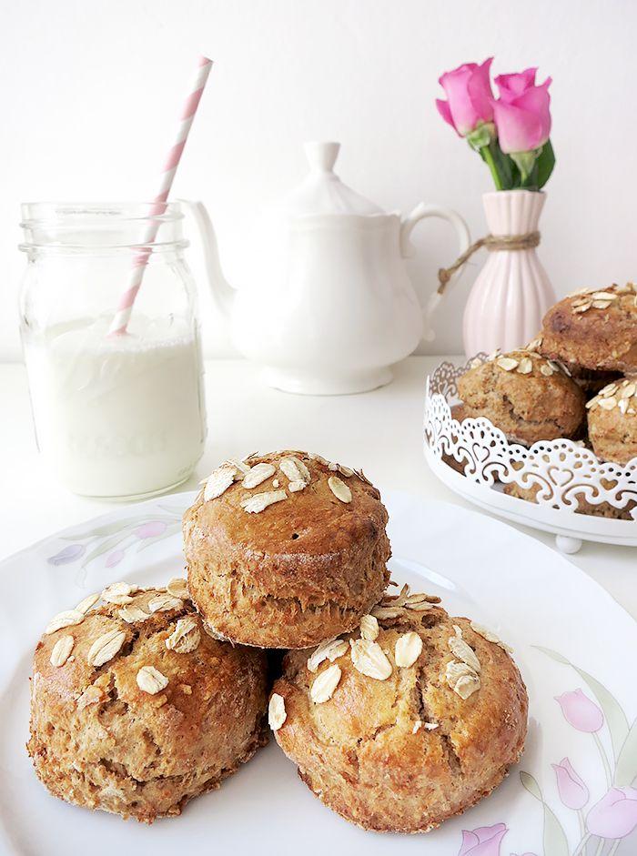 { Healthy Breakfast } Mini Haferflocken-Vollkorn Scones ❤ Rezept auf www.lovely-joys.de