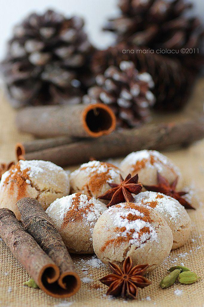 Fursecuri de post cu ulei si scortisoara / Mantecados - spice infused cookies