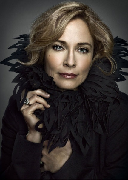 Susanna Thompson in Arrow photo - Arrow picture #62 of 77