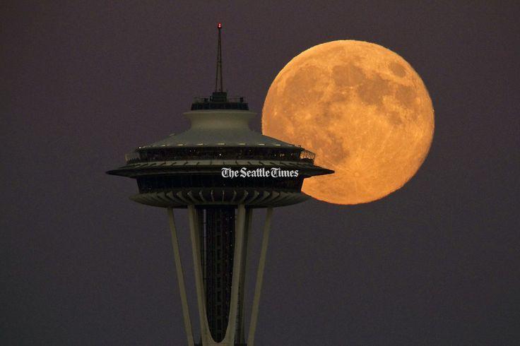 Luna şi Acul Spaţial 22 - Seattle, statul Washington, SUA