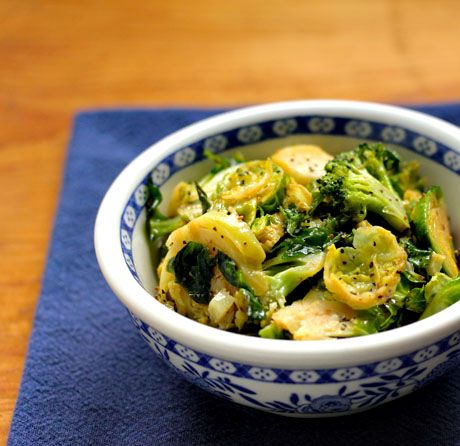 Recipe for Brussels and broccoli with maple mustard vinaigrette klinkt spannend.