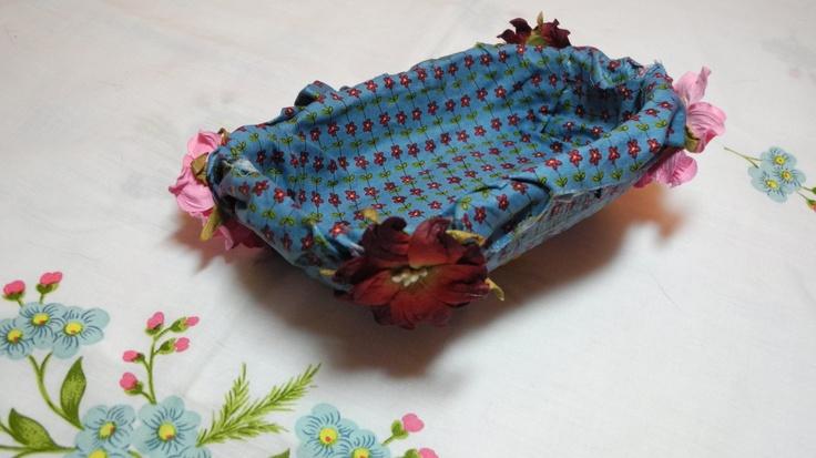 Dalla vaschetta di piccoli frutti Sant'Orsola, un pratico cestino svuota-tasche.  Impara a costruirlo qui: http://youtu.be/QXZJVTyCm_Q