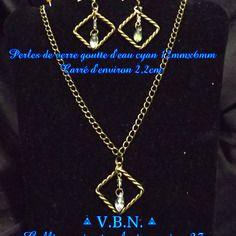 Parure chaine bronze collier et boucles d'oreilles pendentif carre avec perles verre goute d'eau cyan de 12mmx6mm