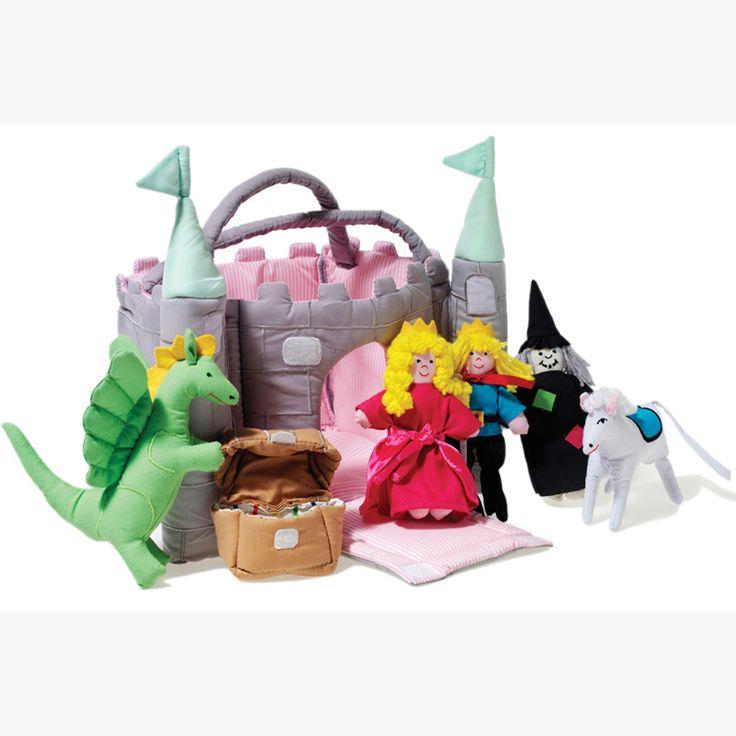 CASTILLO DE TELA Este castillo medieval mágico, con su puente levadizo y torreones rematados en verde es el hogar de un príncipe, princesa, caballo blanco, el dragón y una bruja con un tesoro secreto. Bellamente cosido y adornado, este juguete es perfecto para imaginar los cuentos de hadas favoritos.  Materiales: Textil Edad recomendada: A partir de 3 años PVP: 39,50 € #casitas #castillodetela  http://www.babycaprichos.com/castillo-verde.html