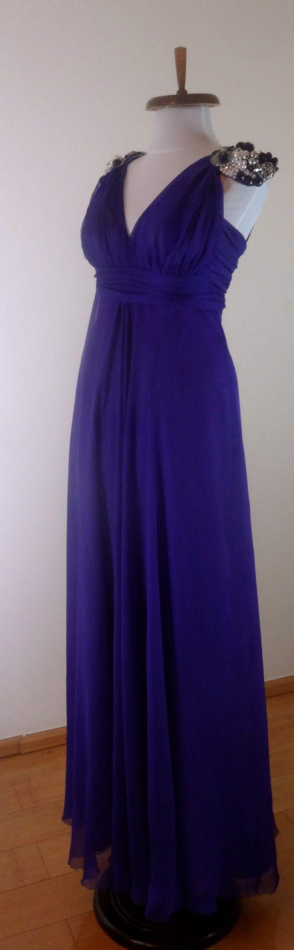 Rochie din voal cu epoleti din margele cusute manual. Model #custommade #Noomi. www.noomi.ro