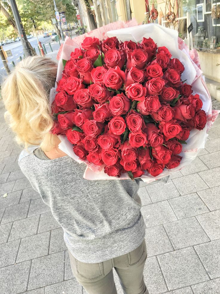 #red #roses #bouquet #difiori