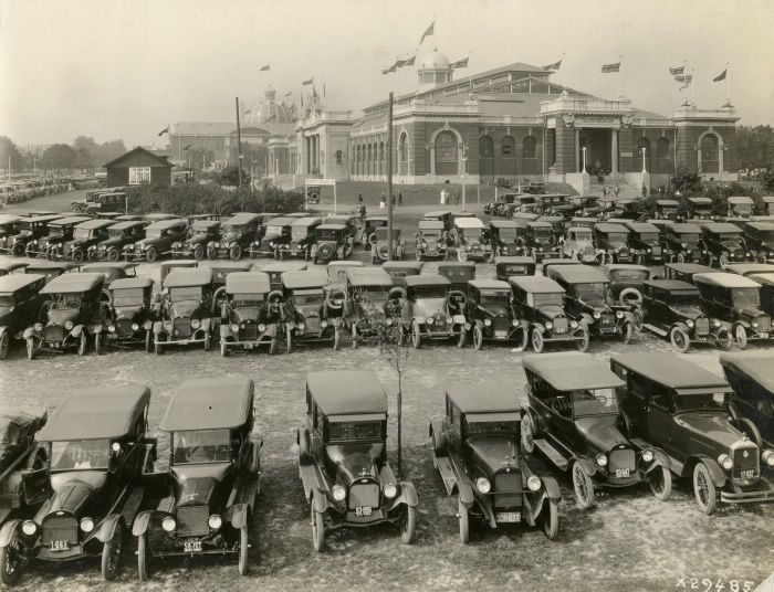 And so the End of Summer begins with the opening of the Ex. This week's photo comes from the CNE, in 1923, outside the Transportation building. Wonder what new food inventions they were serving back then?