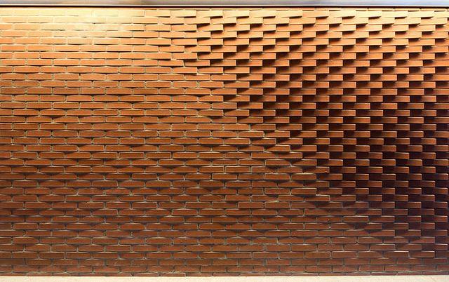 de Schicht // metselwerk met strijklicht by Steven van der Goes architecten bna, via Flickr
