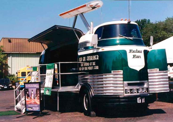 peter pan vintage gm bus vintage busses pinterest peter pans and busses. Black Bedroom Furniture Sets. Home Design Ideas