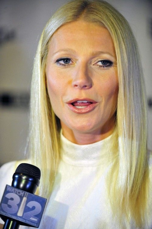 Gwyneth Paltrow Stalls Divorce To Sabotage Chris Martin's Relationship With Jennifer Lawrence - Report