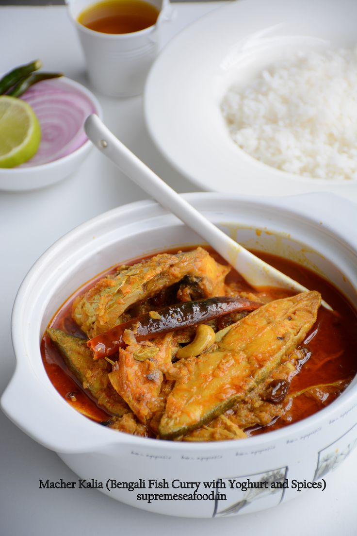 #Macher #Kalia (#Bengali Fish Curry with Yoghurt and Spices) , Recipe by Supreme Seafood .   Yet another delicious seafood preparation from #WestBengal.  Traditionally prepared using Rohu, but today we are re-creating this lipsmacking dish with pomfret steaks. Shallow fried pomfret steaks in a delicious gravy made from yoghurt and spices with the delicious and pungent undertones of mustard oil. #supreme #seafood #recipe #chennai #homedelivery #indian #fish