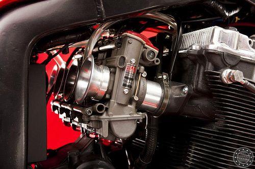 KMP's Barry Sheene Replica Suzuki GSXR1100 #KMP #BarrySheene #Replica #Suzuki #GSXR1100 http://goodhal.blogspot.com/2013/02/kmp-barry-sheene-gsxr.html