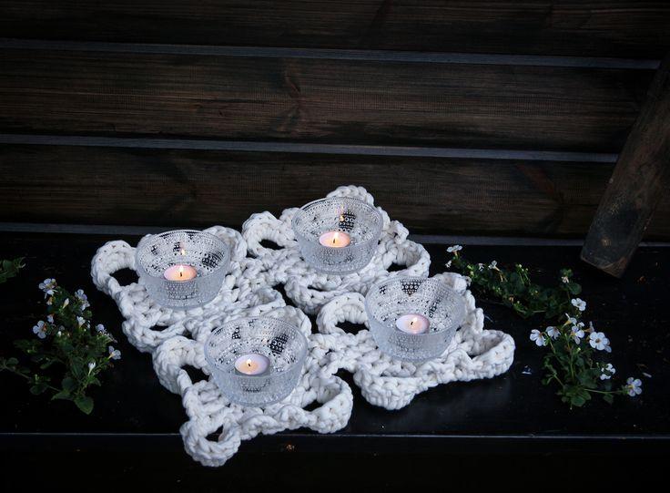 #virkkaus #handwork #pitsikoriste #decoration #accessory #koukkujapuikko #hookandneedle