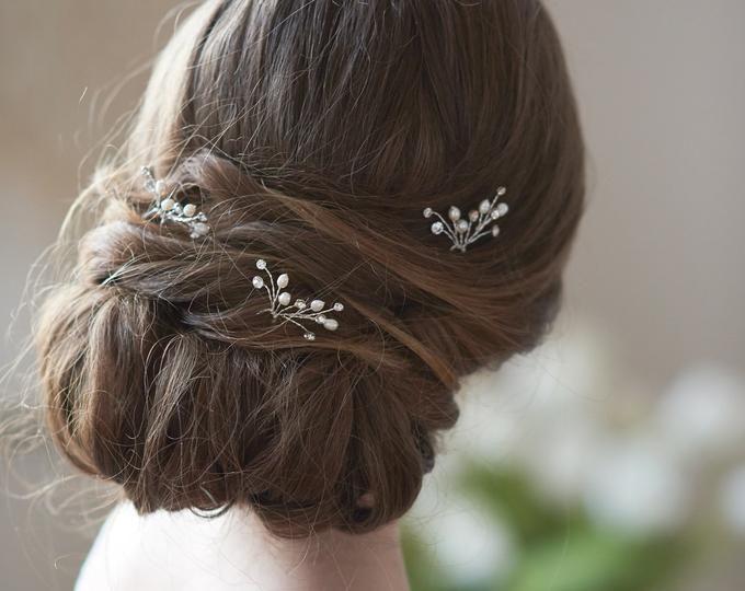 Bridal Hair Pins Wedding Hair Pins Pearl Hair Pins Crystal Etsy In 2020 Pearl Hair Pin Wedding Pearl Hair Piece Bridal Hair Pins Pearl