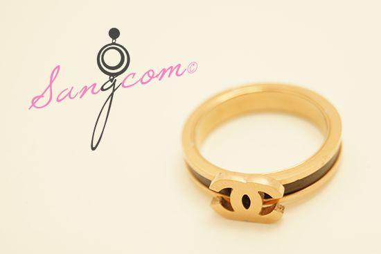 cha★★★★ st 로즈 골드링 기본적으로 고급스러운 이미지에 로즈 골드 바디에 블랙의 테두리가 들어가 한층 더 고급스러움을 느낄 수 있는 디자인의 반지입니다. #상콤#sangcom#반지#ring#명품스타일