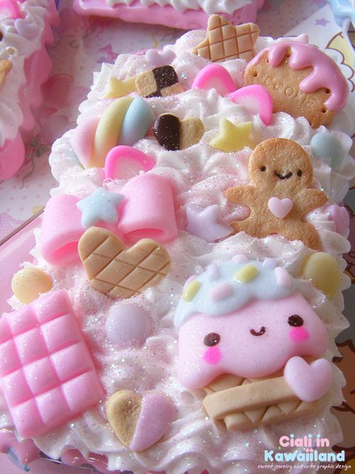 Cute decoden sweets phone case. porcelana fria polymer clay pasta francesa masa flexible fimo modelling modelado figurine cake topper