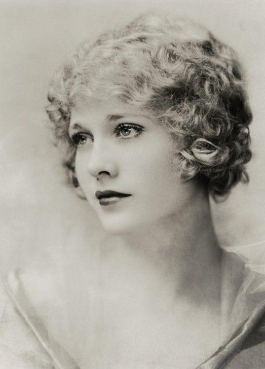 Actress Esther Ralston (1902-1994) • photo: Art & Vintage on Flickr
