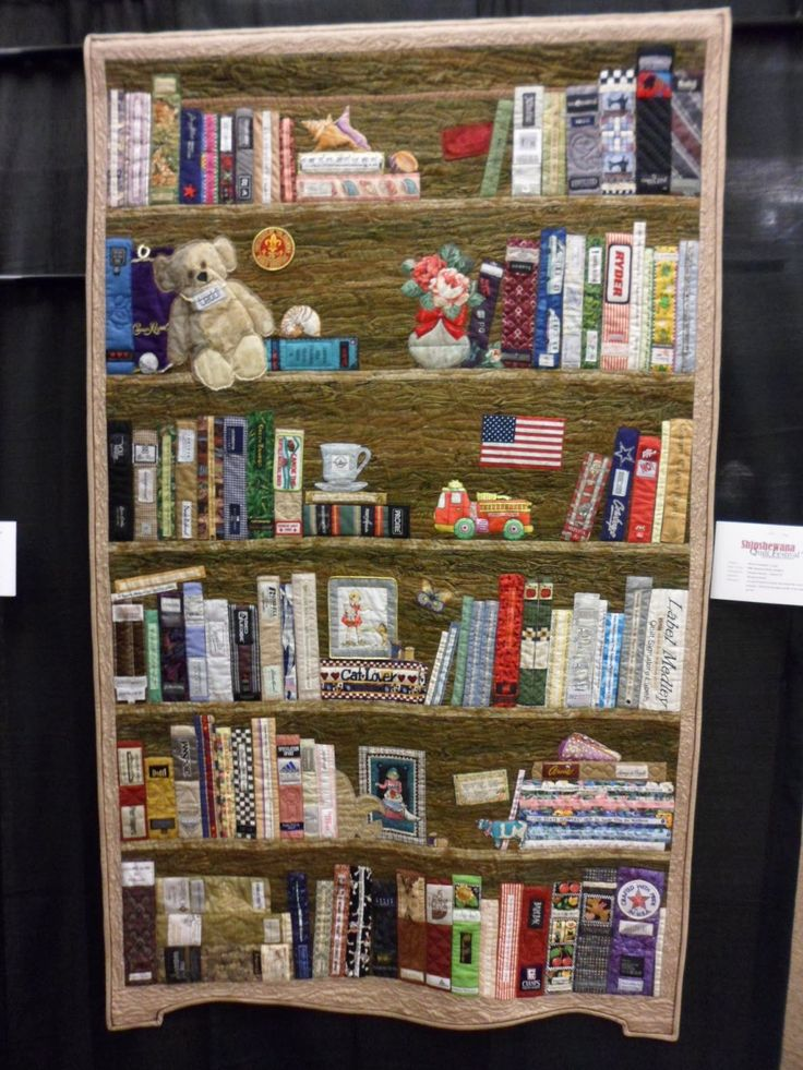 elaborate bookshelf quilt, from the northern deb quilts blog