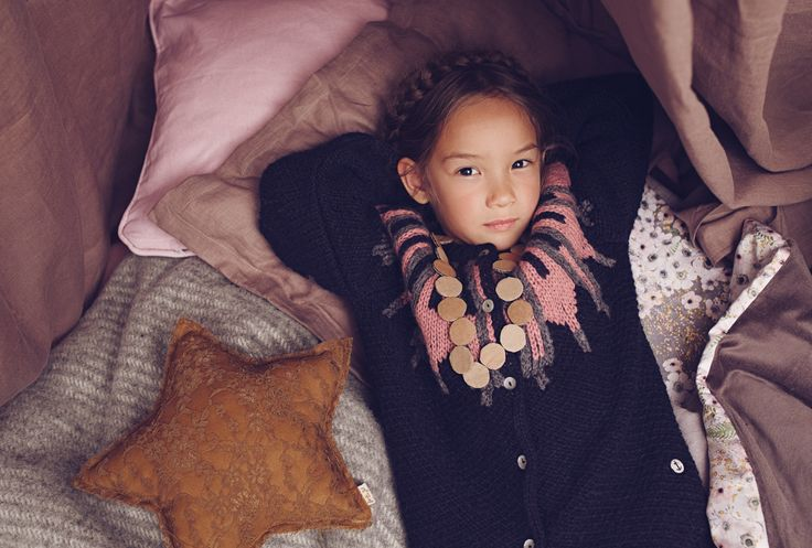 ekologiska barnkläder eko fairtrade mama emily dahl kofta emma och malena