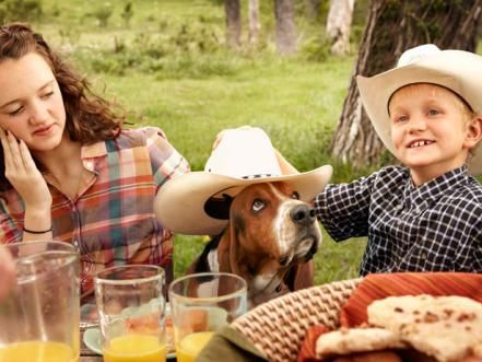Ree Drummond starts a day on her Oklahoma ranch with a big family feast. Food Network Magazine has the behind-the-scenes photos.