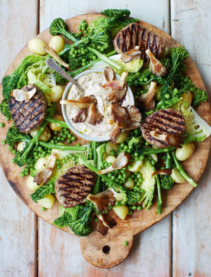 Steak Medallions, Mushroom Sauce and Spring Greens from Jamie Oliver's 15 Minute Meals. Quick,easy, healthy, delicious!