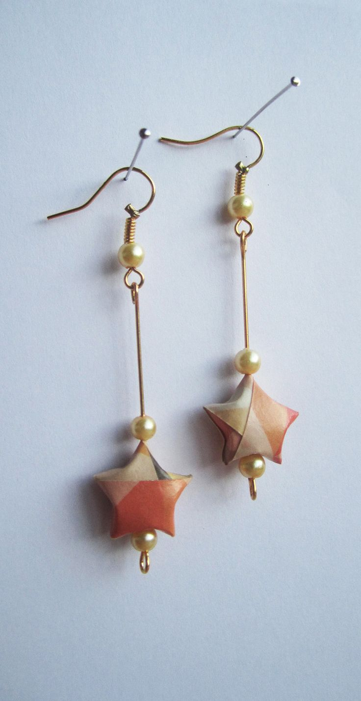 Boucles d'oreille origami, étoile en papier. : Boucles d'oreille par made-for-you