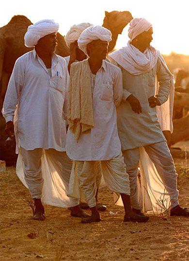 Inde - Grande Méla, acheteurs de dromadaires - Des milliers de dromadaire et des centaines d'acheteurs à l'affut