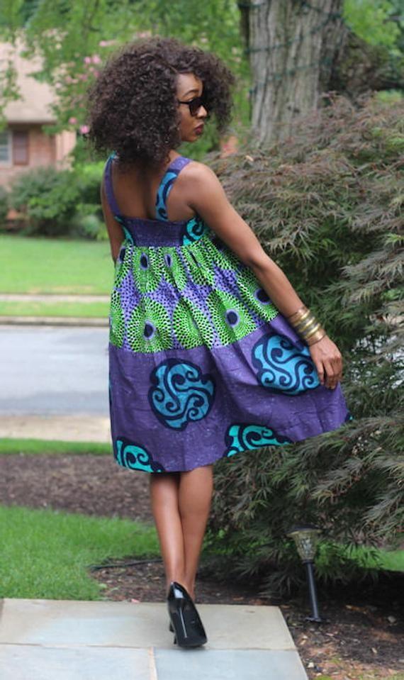 Robe de KIRA – African Wax Print (violet/vert)