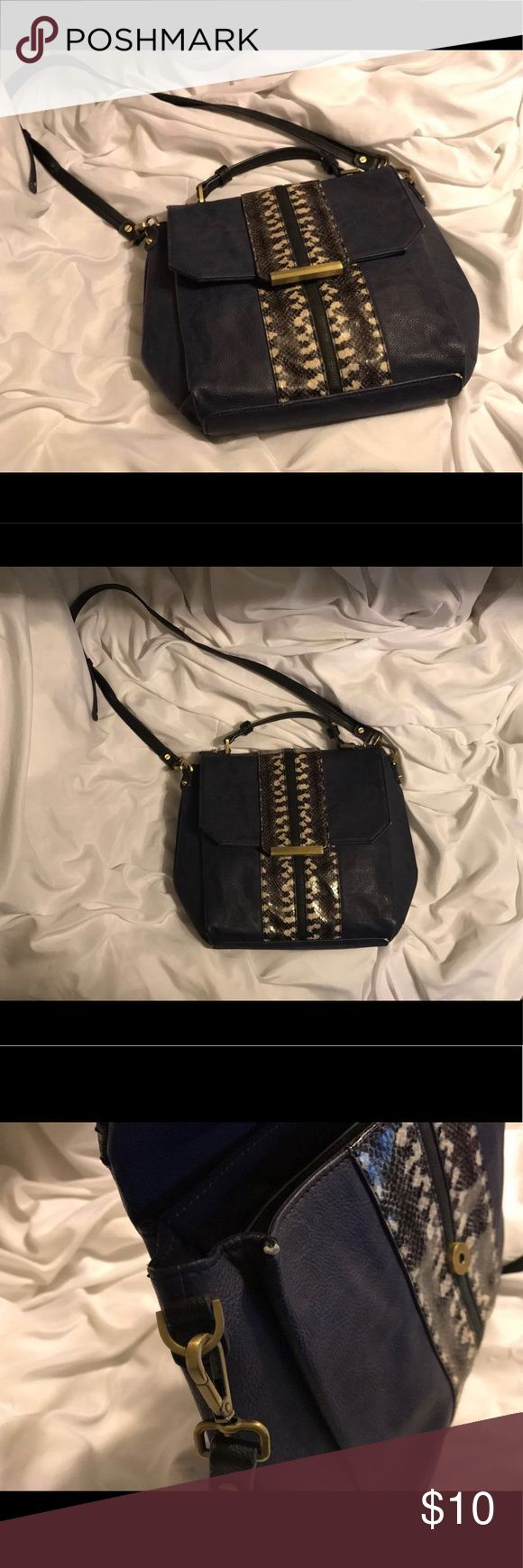 Rachel Roy Bag Medium-size navy blue with snake detail. Bag is in good condition minus the minor flaws that aren't visible when used on some corners of the bag. (Please see pictures for flaws) Still plenty of life left 🤗 RACHEL Rachel Roy Bags Crossbody Bags