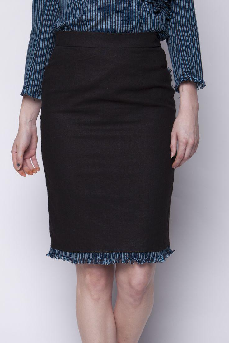Lekat Skirt Hitam