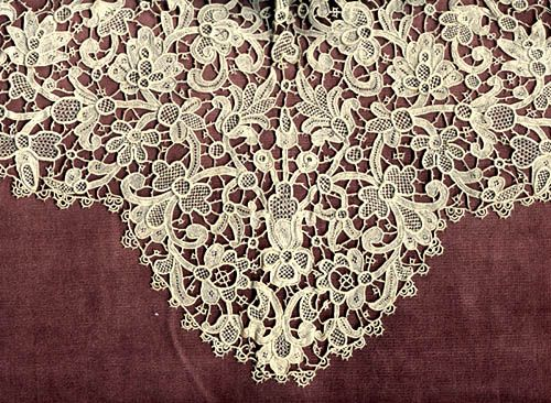 "Point de Venise Collar with High Neck.  Late 19th century.  15½"" across (39.5 cm)"