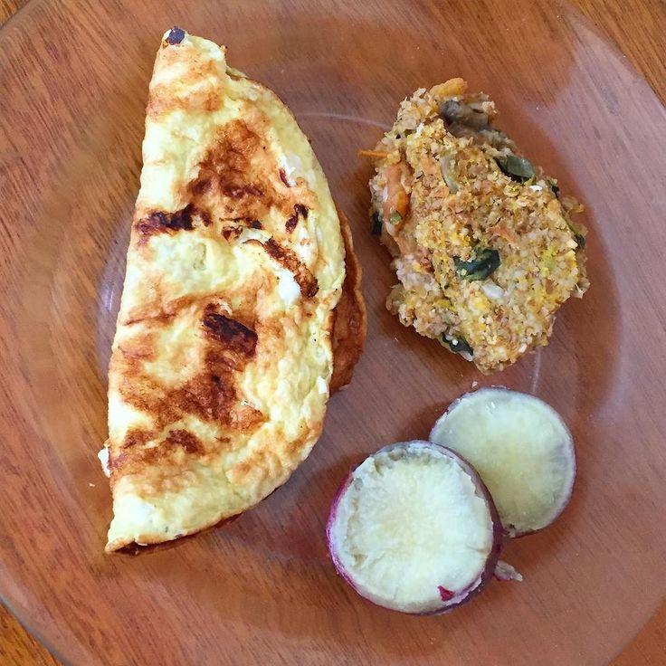 Boa tardee! Gi aqui  Esse foi meu almoço: omelete  quibe de abóbora com recheio de berinjela e tomate  batata doce  #fit #fitness #motivation #instafit #saude #healthylife #healthylifestyle #lunch #treino #workout #quantomaisnaturalmelhor #teambellafalconi #noveeraguper #maispertoqueontem #45diasjuntas by befitnesswith3