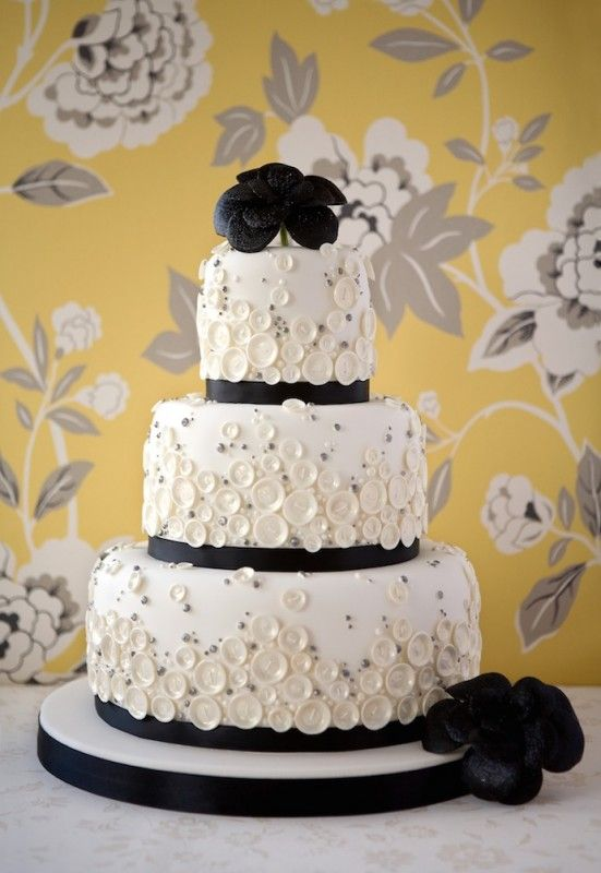 wedding cakes leigh on sea 17 best images about button covered cakes on 24902