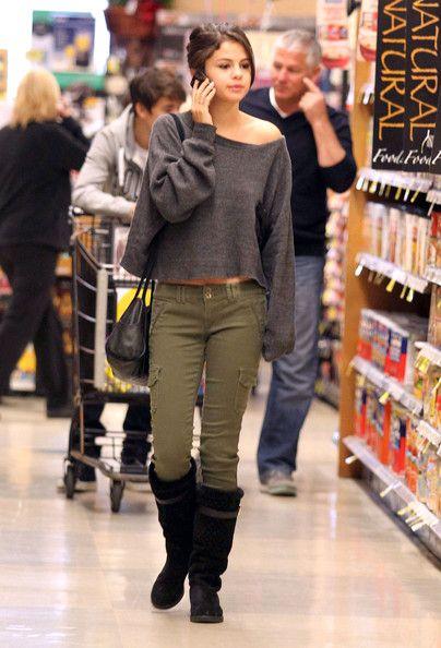 Selena Gomez Photos - Justin Bieber And Selena Gomez Grocery Shopping - Zimbio