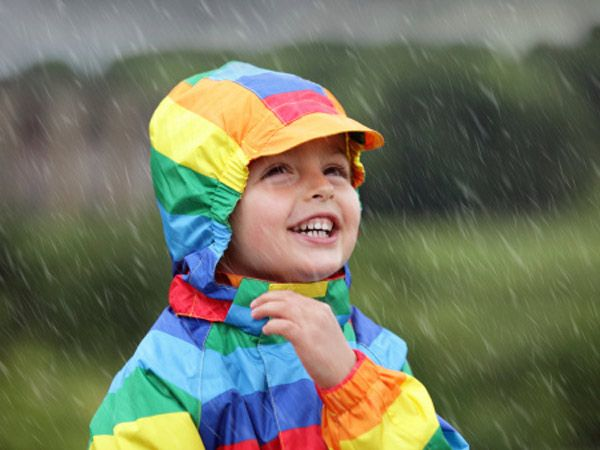 Monsoons bring forth a host of illnesses that kids are more prone to. Your little angels need to be shielded from the showers to keep them away from all rain-related illnesses and germs that can cause them to sneeze and catch a cold.  To keep your kids in the pink of health all through the monsoon, here are 10 things you must do. Don't Miss: Funky Footwear for Your Kiddos on a Rainy Day Image courtesy: ©Thinkstock photos/ Getty images