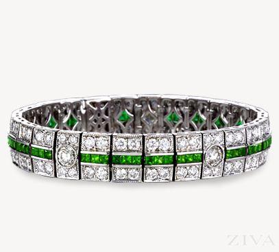 Exquisite Antique Design Emerald