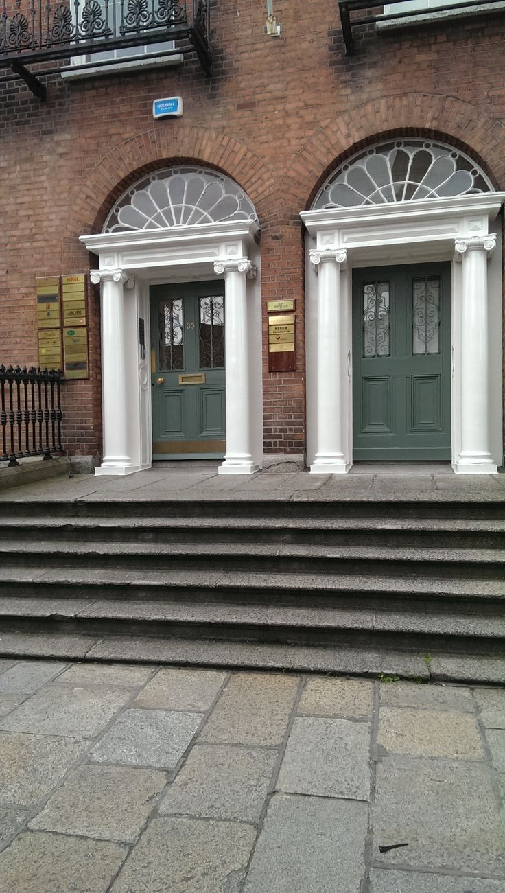 ( A Suit That Fits Ireland ) PEMBROKE HOUSE, UPPER PEMBROKE STREET 28-32 DUBLIN 2. TEL (0)1 903 6268