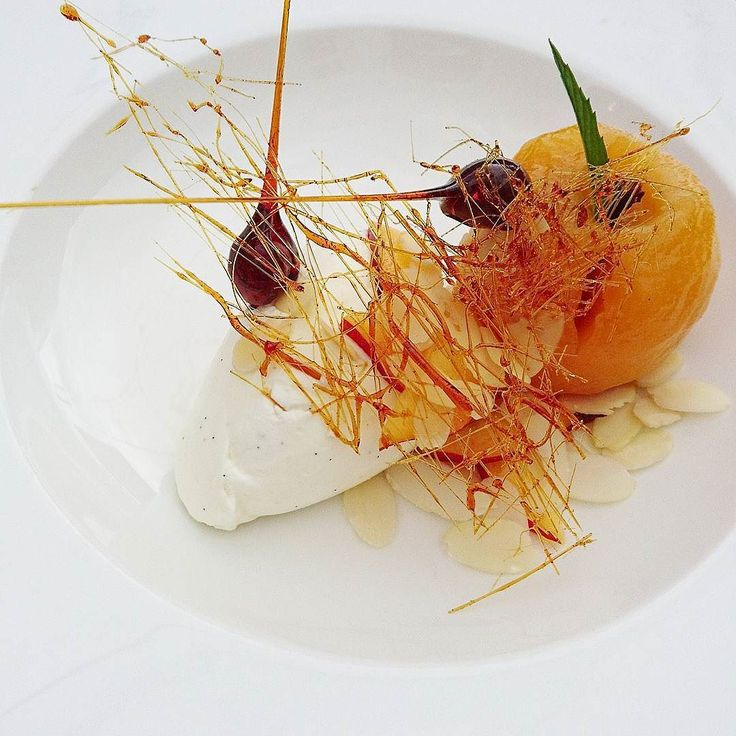 Ma pêche Melba.... #menubistronomique #pêche #peach #gourmandcroquant #yummy #pechemelba #Food #Foodista #PornFood #Cuisine #Yummy #Cooking
